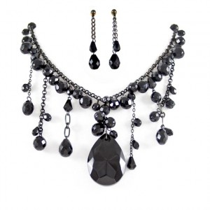 Black Dangle Stone Necklace set