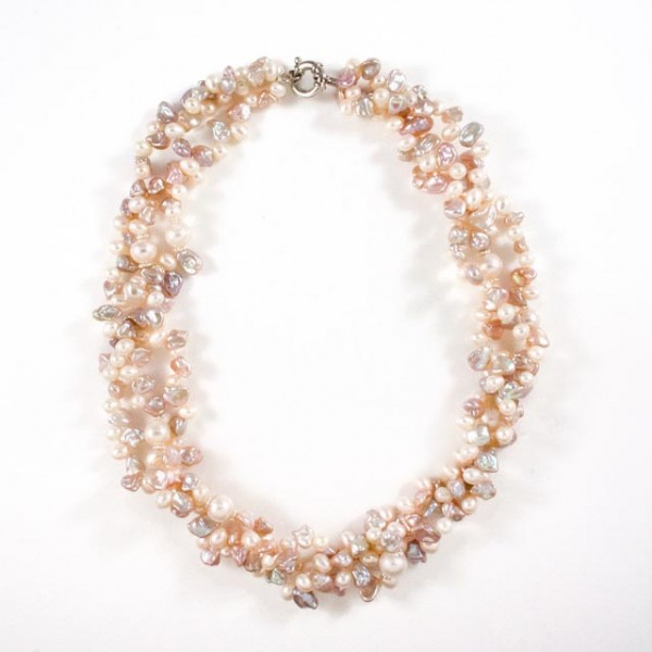 Necklace_pearl001-091112